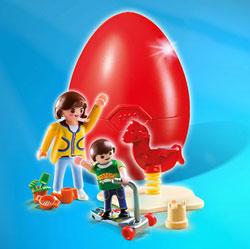 4939 - Oeuf Maman avec enfant et aire de jeux