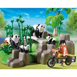 5414-Famille de pandas et bambous