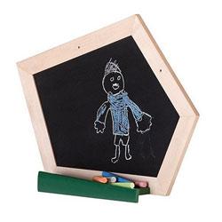 Tableau noir avec craies