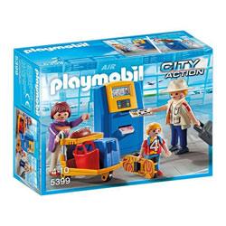 5399-Famille de vacanciers et borne d'enregistrement - Playmobil pompiers et aéroport