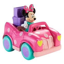 Minnie avec sa Voiture de shopping