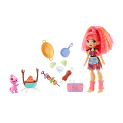 Mini-poupée Cave Club Emberly avec accessoires