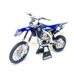 Moto Yamaha YZ450F 1/6 ème