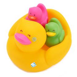 Famille canards de bain
