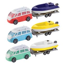 Van avec bateau et remorque