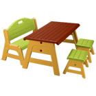 Table avec tabourets et banc