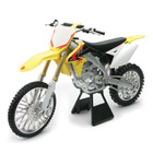 Moto Suzuki RM Z450 1/6 ème