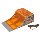 Circuit boards quarterpipe avec skateboard
