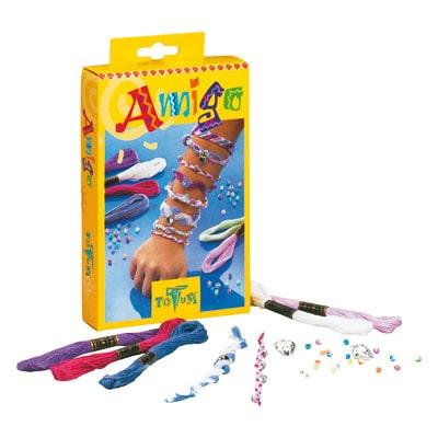Bracelets d´amitié Amigo ! Pour créer ses propres bracelets pour votre petite fille et ses meilleures amies ... Contenu : 6 x 6 m fil coloré, environ 15 perles, 2 pendentifs en forme de cœur et une notice d´utilisation. Composition des bracelets : 100 % c