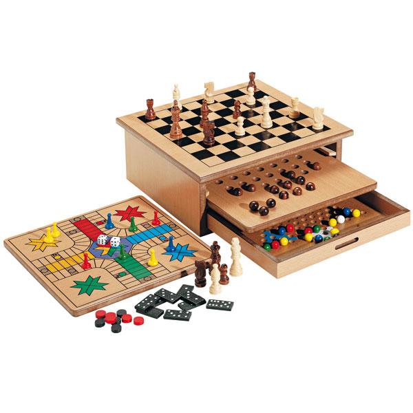Coffret de jeux en bois 8 en 1 pour 33€