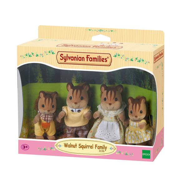 Famille ecureuil roux sf