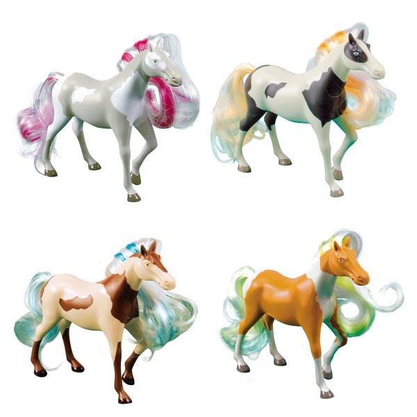 À cheval sur des jouets