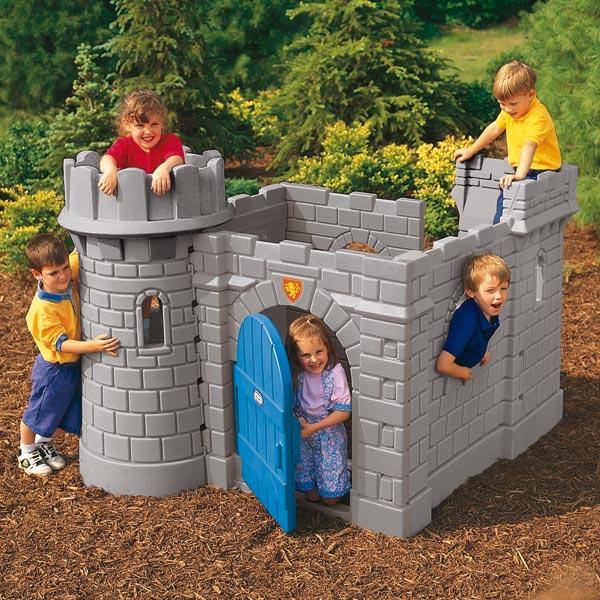 chateau medieval avec toboggan petites annonces jeux jouets. Black Bedroom Furniture Sets. Home Design Ideas