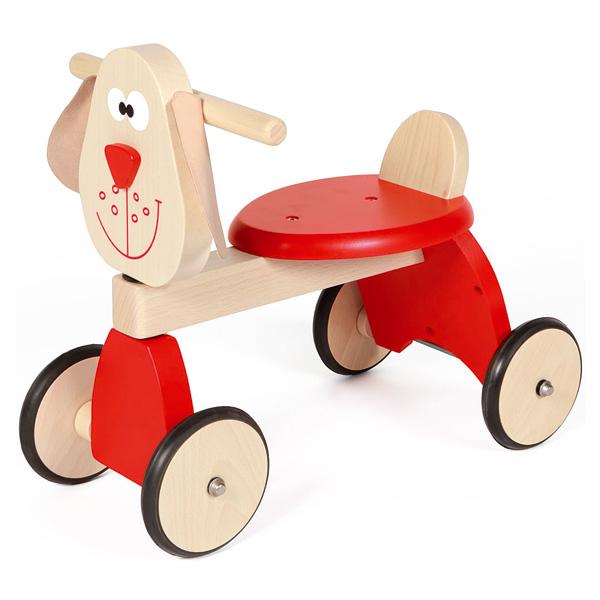 Avec le porteur chien bébé est prêt pour l´apprentissage de la marche et la découverte. Un trotteur en bois fabriqué en Europe en hêtre massif issu de forêts Européennes durablement gérées. Munis de roues en caoutchouc, il est très peu bruyant et ne laiss