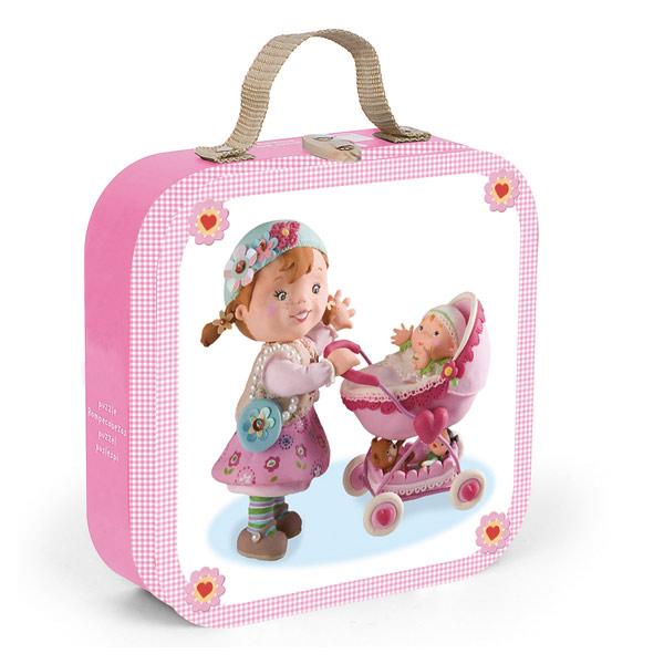 """Puzzles """"Lilou joue à la Poupée"""""""