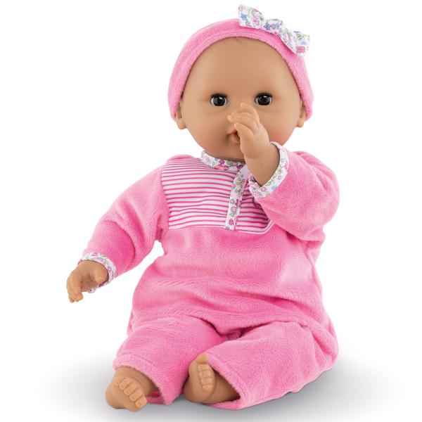 Dès 18 mois, Mon Premier Bébé Câlin Maria est le premier petit poupon au teint métissé idéal pour les petites mamans. Il mesure 30 cm. Sa taille est parfaitement adaptée aux petits bras de votre enfant pour le câliner et le cajoler tendrement. Mon Premier