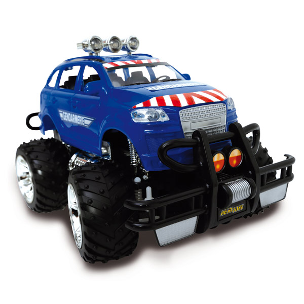 Cette Jeep de gendarmerie radiocommandée de 28 cm pour de grandes aventures. Avec phares lumineux et lumières d´avertissement. Avec ses roues crantées, elle pourra faire du tout terrain. Fonctions : avance, recule, droite et gauche. Fonctionne avec 6 pile