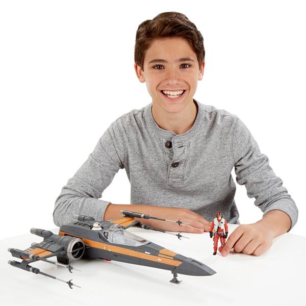 Star Wars véhicule chasseur X-Wing de Poe Damerons