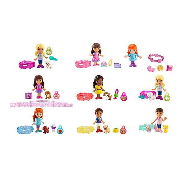 Dora ne se sépare jamais de son bracelet. Chaque Charms est magique et permet à Dora et ses amis de franchir un obstacle ou de dénouer une situation. Comprend une mini-poupée de 12 cm articulée et un bracelet ravissant à porter pour la fillette et 3 charm