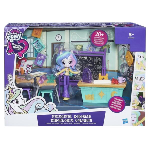 L´ensemble My Little Pony garantit pour votre enfant un jouet divertissant et original. Retrouvez Pinkie Pie, la poupée amusante ainsi que divers accessoires permettant à votre enfant de reproduire avec élégance une authentique chambre d´adolescente. Subl