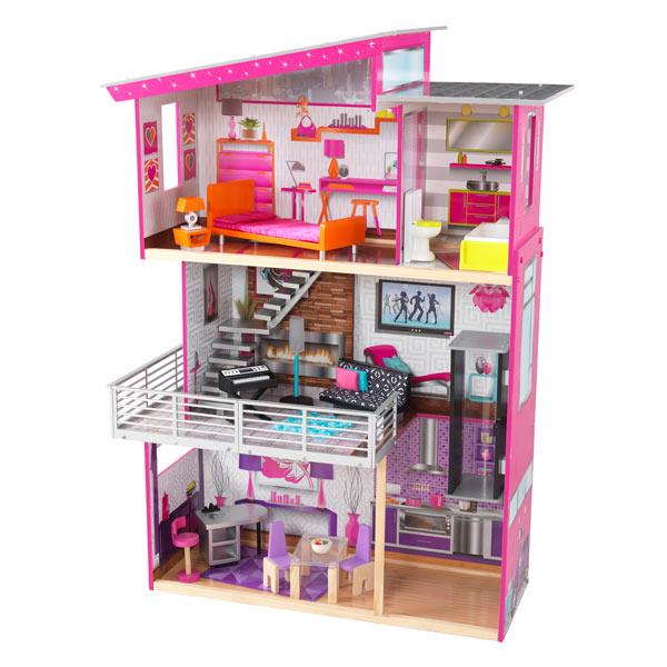 Notre Maison de Poupées Luxury est élégante, chic et super fun. Vos enfants vont adorer jouer au décorateur d´intérieur et agencer les meubles d´une pièce à l´autre. Avec ses meubles de luxe et ses magnifiques chambres, les poupées qui jouent à l´intérieu