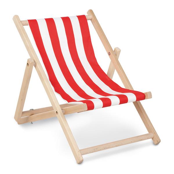 Une chaise longue en hêtre massif brut, pour faire et s´allonger paisiblement comme les grands ! Vous pouvez choisir 2 positions différents pour vous allonger. Elle dispose d´un tissu imperméable 100% Polyester. Dimensions : L 50 cm, l 44 cm, H 55 cm.