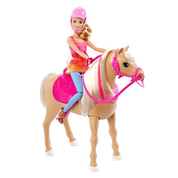 Ce coffret s´inspire du dessin animé de Barbie et ses surs à la recherche des chiots. Pour entraîner son cheval, Barbie sinstalle sur son dos et lui apprend à danser. En pressant sur le bouton situé sur le front de lanimal, il sanime au rythme de la musiq