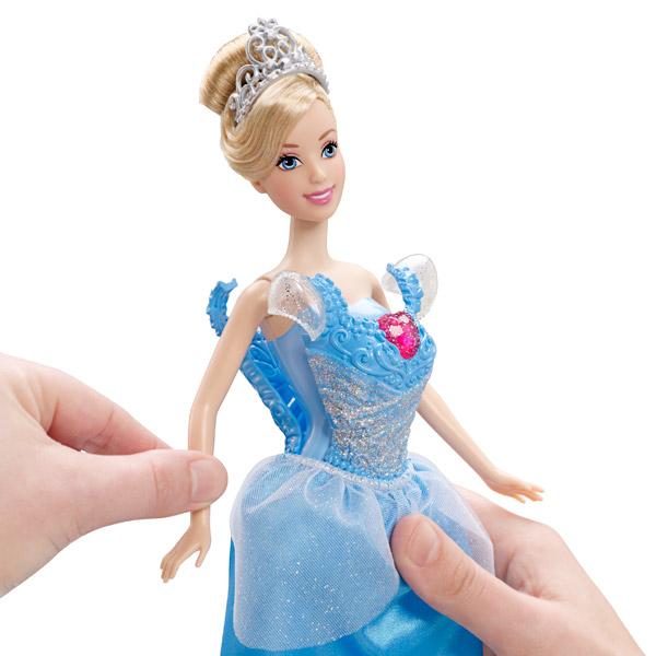 Princesses Disney Cendrillon et sa Robe à paillettes