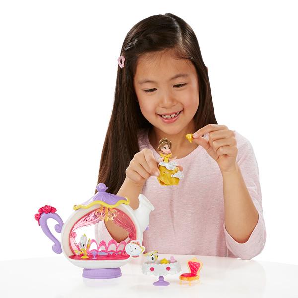 Mini Figurine Disney Princesses Univers - Belle et sa théière