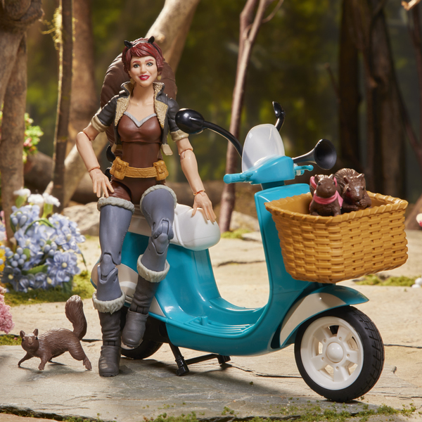 Figurine Squirrel Girl et scooter Legends Series 15 cm - Marvel