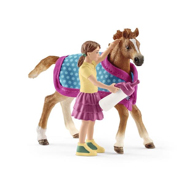 Figurine poulain avec couverture