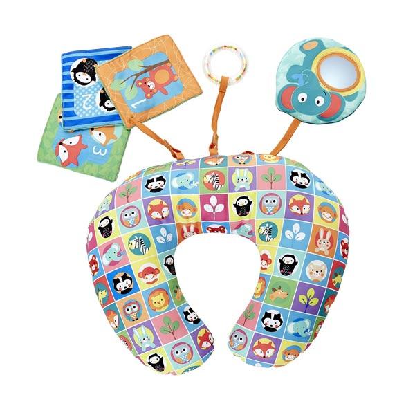 Ce coussin ergonomique avec de nombreux animaux colorés permettra à bébé de jouer en toute sécurité. Le coussin idéal pour permettre à bébé de s´amuser allongé sur le ventre conformément aux recommandations des pédiatres. Il permet de développer la tonici