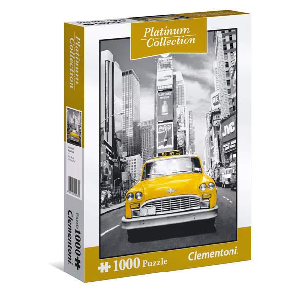 Puzzle de 1000 pièces sur le thème de New York. Sur cette image en noir et blanc ce qui attire le regard tout de suite c´est ce célèbre taxi new yorkais jaune. Une fois assemblé, il fera un bel objet de décoration. Dimensions : 69 x 50 cm.