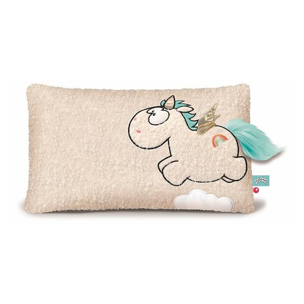 Un joli oreiller à l´image d´une belle Licorne Wingfried avec ses ailes ! Ce coussin est inspiré d´un univers féerique. Illustrant une belle licorne, il permettra de décorer la chambre de votre enfant et de l´accompagner au quotidien. Doux et agréable, ce