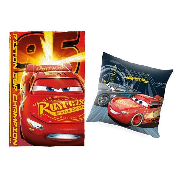 Votre enfant pourra faire la sieste en compagnie de son héros du dessin animé Cars 3. Cet ensemble se compose d´un coussin double face et d´un plaid en velours. Confortablement installé, il pourra faire de beaux rêves. Dimensions coussin : 40 x 40 cm. Dim