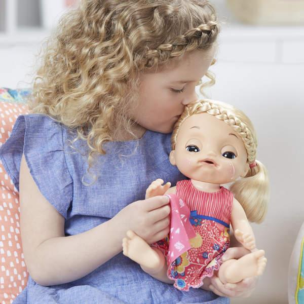 Poupée Baby Alive est malade blonde