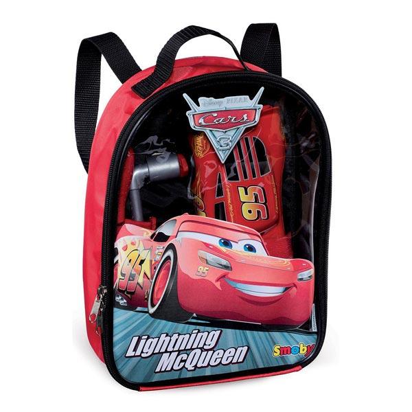 Ce joli sac à dos à l´effigie de Cars 3 contient Flash McQueen à construire et fera le bonheur des amateurs de bricolage. Votre enfant pourra jouer au mécanicien et fera en sorte que Flash McQueen soit prêt pour gagner les courses. Le sac à dos permet de