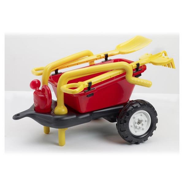 Amusez-vous avec cet ensemble de jardin ! En route pour le jardin avec cette remorque grand volume adaptable à tous les tracteurs de la gamme Falk. Elle se transforme en brouette en un claquement de doigts pour aider les grands à jardiner. Son ensemble pe