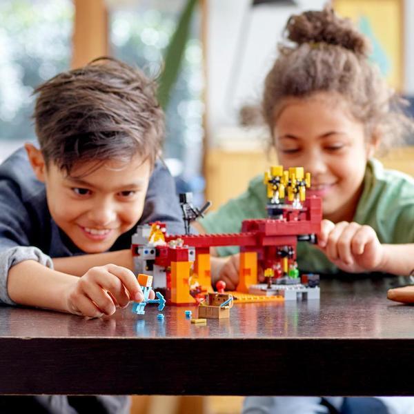 21154 - LEGO® Minecraft Le pont de Blaze